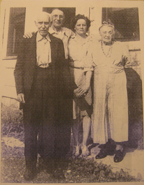 Front: William Ellsworth Goudy and Saraphina Rader Goudy; Back: Harry Ellsworth Goudy, Sr. and Mabel Mary Martha Richie Highlands Goudy