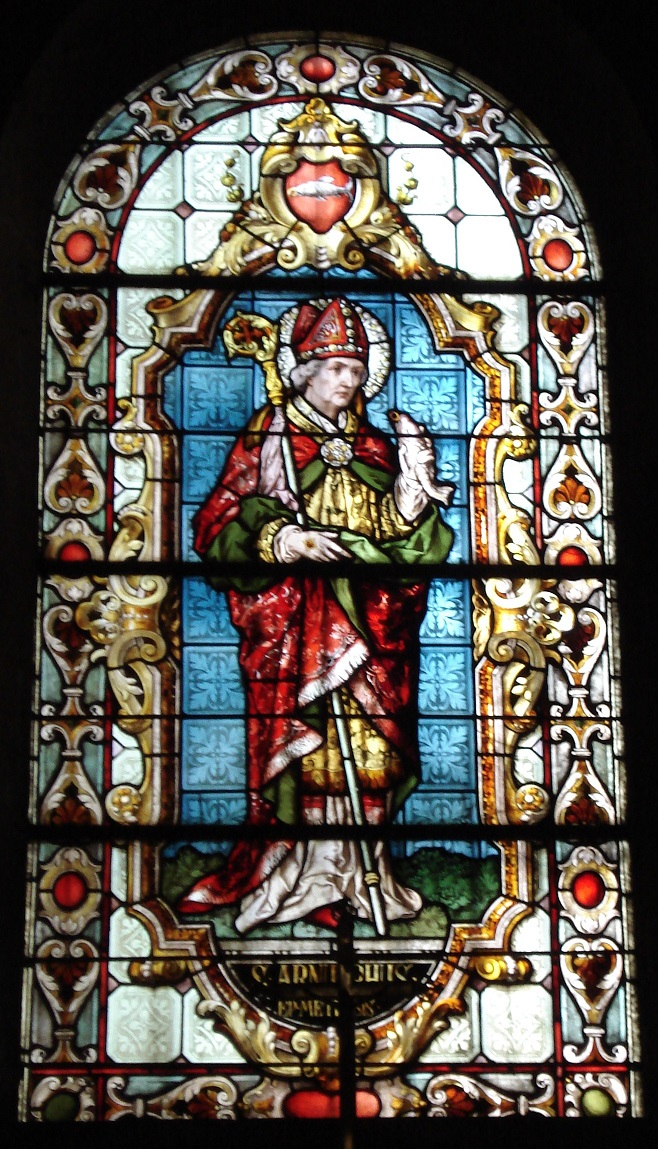 Vitrail représentant saint Arnould, chapelle Sainte-Glossinde by Graoully - Own work (photo personnelle), GNU Free Documentation Licensure, used with permission